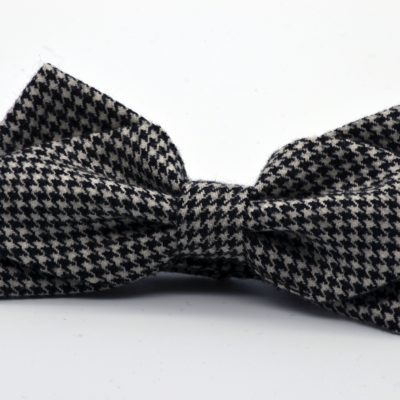 Black and White Pied de Poule Diamond Point Bow Tie